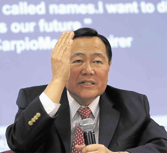 Thẩm phán Philippines: Nếu tàu cá Trung Quốc tấn công nữa nên cắt đứt quan hệ ngoại giao - Ảnh 1.