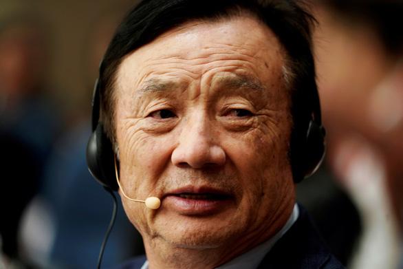Doanh số điện thoại giảm 40%, Huawei cắt giảm sản xuất trong 2 năm tới - Ảnh 1.
