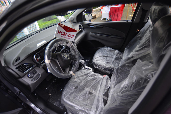 Xe hơi của tỉ phú Phạm Nhật Vượng đã đến tay khách hàng - Ảnh 4.