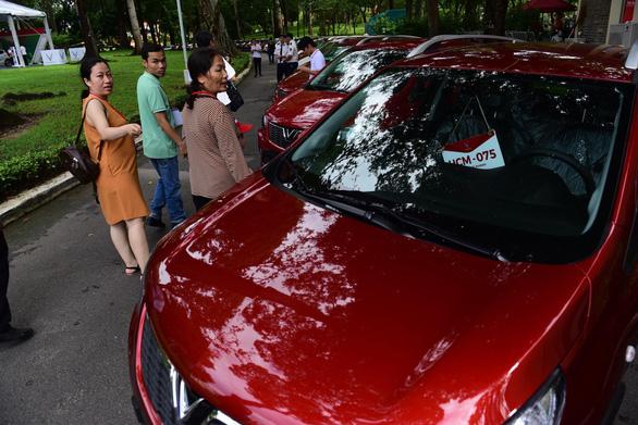 Xe hơi của tỉ phú Phạm Nhật Vượng đã đến tay khách hàng - Ảnh 9.