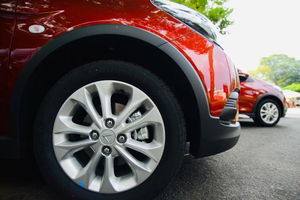 Xe hơi của tỉ phú Phạm Nhật Vượng đã đến tay khách hàng - Ảnh 3.  Xe hơi của tỉ phú Phạm Nhật Vượng đã đến tay khách hàng 645607057679787335997527644178296590041088n 15607425471961873137234