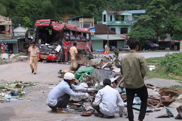 Vụ tai nạn thảm khốc tại Hòa Bình: chuyển 4 bệnh nhân về Bệnh viện Việt Đức - Ảnh 2.