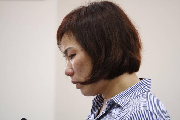 Phạt nữ tài xế BMW tông hàng loạt xe máy ở Hàng Xanh 3 năm 6 tháng tù - Ảnh 4.