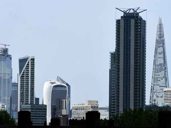 Bí ẩn đằng sau khả năng chống gió của các tòa nhà chọc trời trên thế giới - Ảnh 1.