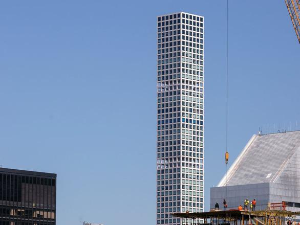 Bí ẩn đằng sau khả năng chống gió của các tòa nhà chọc trời trên thế giới - Ảnh 3.