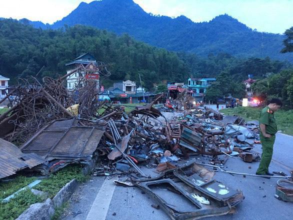 Chưa rõ nguồn gốc xe biển số Lào trong vụ tai nạn thảm khốc tại Hòa Bình - Ảnh 1.