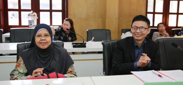 Học giả nước ngoài tham gia hội đồng chấm luận án tiến sĩ - Ảnh 1.