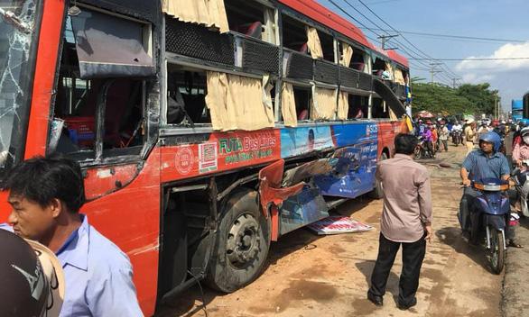 Bị tai nạn khi đi xe Phương Trang, một vị khách đòi bồi thường 789 triệu đồng - Ảnh 1.