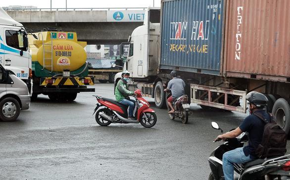 Điểm đen tai nạn giao thông lan đến trung tâm TP.HCM - Ảnh 3.