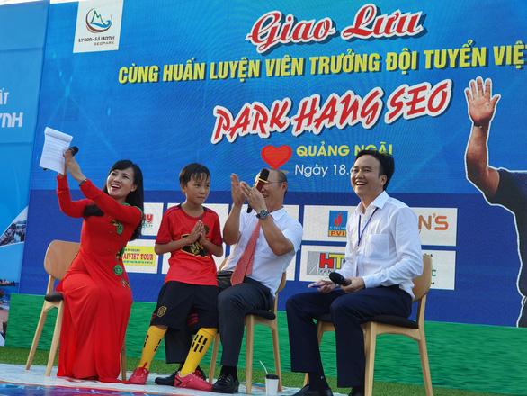 Ông Park Hang Seo hứa sẽ làm hết mình vì bóng đá Việt Nam - Ảnh 7.