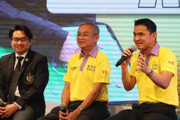 Kiatisak lần đầu nói về ghế HLV trưởng tuyển Thái Lan - Ảnh 1.