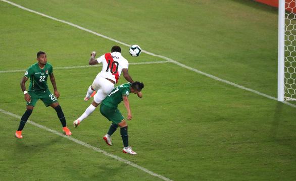 Thắng ngược Bolivia, Peru rộng cửa đi tiếp - Ảnh 3.