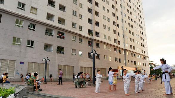 Dân chung cư số 4 Phan Chu Trinh bất ngờ khi giá thuê tăng gần gấp 4  - Ảnh 1.
