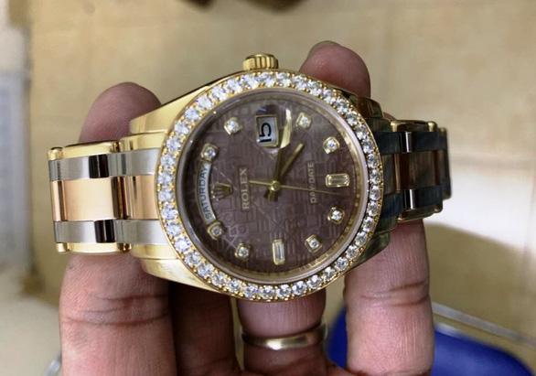 Làm giả giấy tờ ngoạn mục lừa đảo lấy đồng hồ Rolex giá 890 triệu - Ảnh 2.