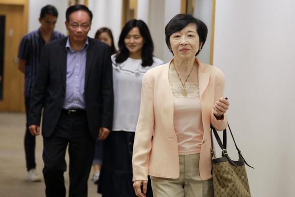 Các cố vấn của lãnh đạo Hong Kong lên tiếng xin lỗi người dân - Ảnh 1.
