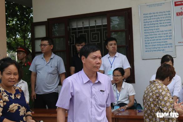 Bác sĩ Hoàng Công Lương bị tuyên phạt 30 tháng tù - Ảnh 5.