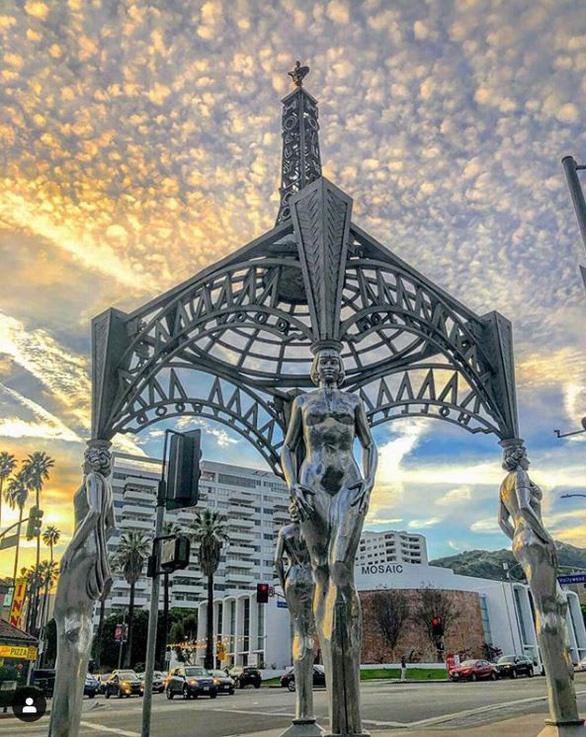 Tượng Marilyn Monroe trên Đại lộ Danh vọng Hollywood bị cưa trộm - Ảnh 2.