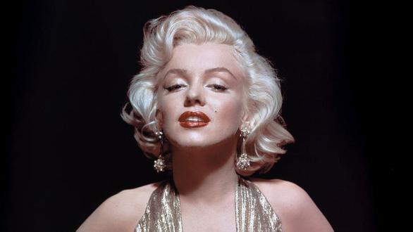 Tượng Marilyn Monroe trên Đại lộ Danh vọng Hollywood bị cưa trộm - Ảnh 4.