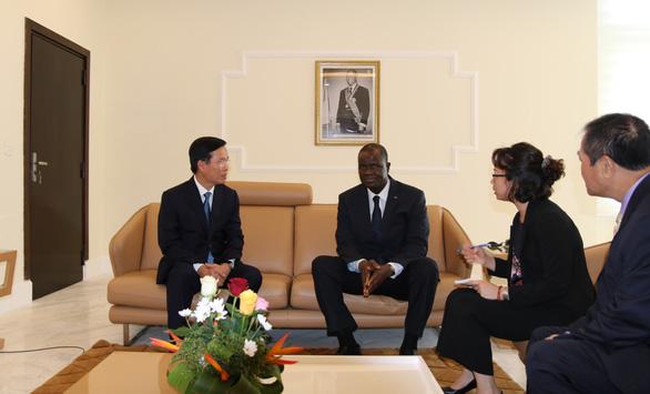 Ông Võ Văn Thưởng dẫn đầu đoàn đại biểu thăm Bờ Biển Ngà - Ảnh 2.