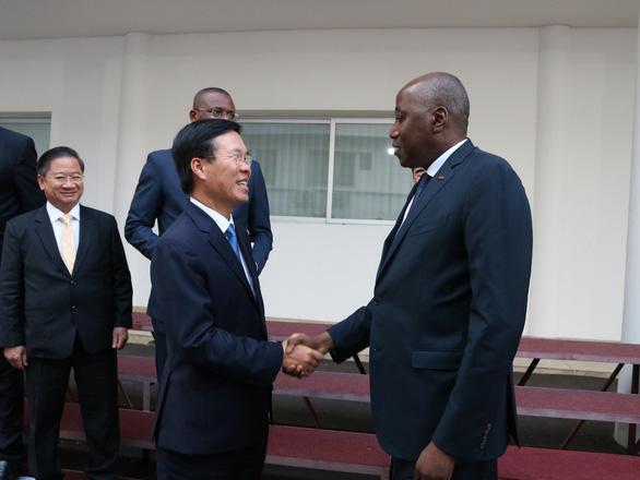 Ông Võ Văn Thưởng dẫn đầu đoàn đại biểu thăm Bờ Biển Ngà - Ảnh 1.