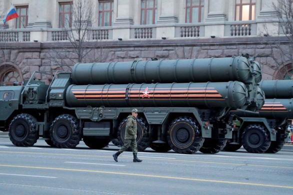 Nga bắt đầu giao hệ thống phòng thủ tên lửa S-400 cho Thổ Nhĩ Kỳ - Ảnh 1.