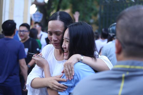 Đề toán lớp 10 tại Hà Nội: dễ thở hơn các năm trước - Ảnh 9.