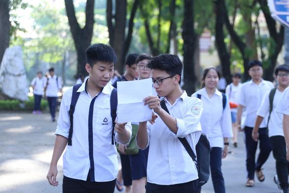 Đề toán lớp 10 tại Hà Nội: dễ thở hơn các năm trước - Ảnh 8.