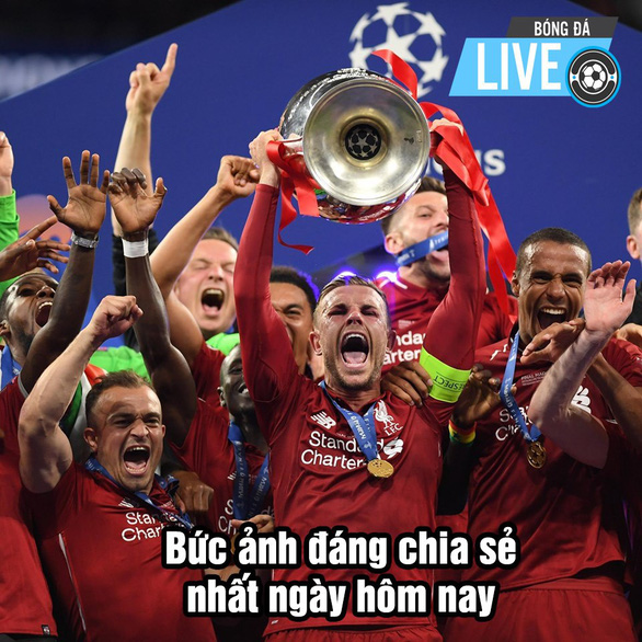 CĐV Liverpool 'sướng' vì đội nhà xóa được cái dớp thất bại để đăng quang - Ảnh 10.