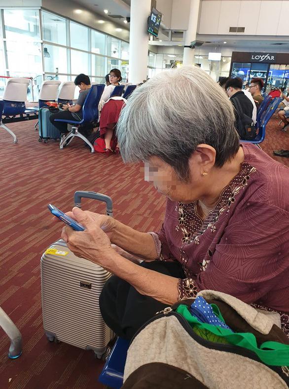 Cụ bà 76 tuổi trốn con cháu đi du lịch Thái Lan gây sốt cộng đồng mạng - Ảnh 1.