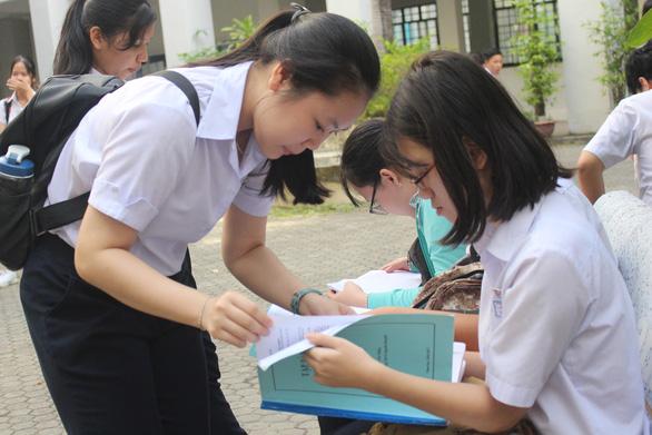 Điểm thi lớp 10 THPT Đà Nẵng: không có điểm 10 môn Văn - Ảnh 1.