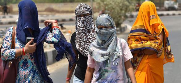 Nắng nóng 50 độ C, Ấn Độ cảnh báo đỏ - Ảnh 1.