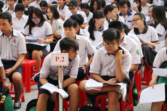 Gần 200.000 thí sinh chính thức bước vào thi lớp 10 tại TP.HCM và Hà Nội - Ảnh 12.