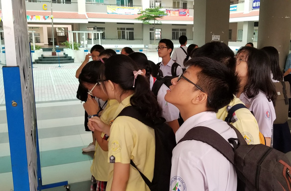 Gần 200.000 thí sinh chính thức bước vào thi lớp 10 tại TP.HCM và Hà Nội - Ảnh 8.