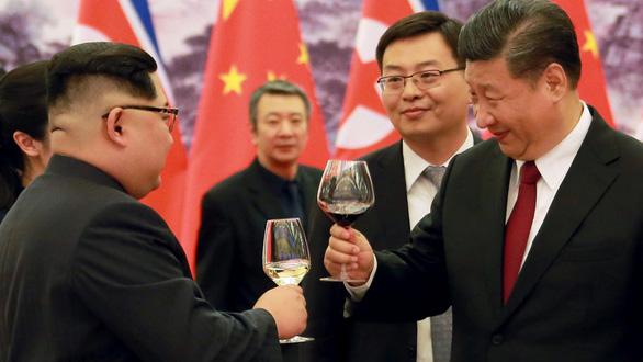 Triều Tiên trải thảm đỏ đón ông Tập đến thăm - Ảnh 1.