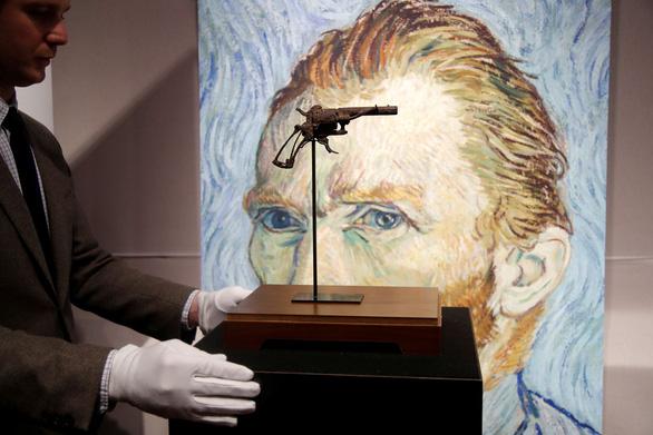 Khẩu súng giết Van Gogh bán giá cao gấp 3 dự kiến - Ảnh 1.