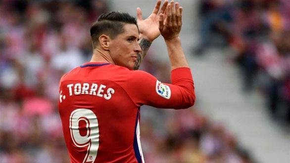 Torres tuyên bố treo giày ở tuổi 35 - Ảnh 1.