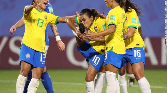 Pháp gặp Brazil ở vòng 16 đội World Cup nữ 2019 - Ảnh 1.