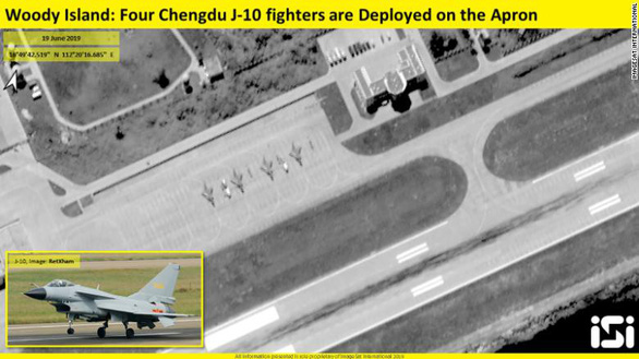 Trung Quốc cố tình phô trương 4 tiêm kích J-10 ở Hoàng Sa - Ảnh 1.