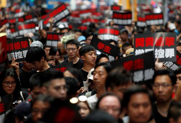 Nhìn gương Hong Kong, giới chính trị Đài Loan giữ khoảng cách với Bắc Kinh - Ảnh 2.