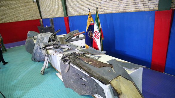 Máy bay chở 35 người của Mỹ suýt bị Iran bắn? - Ảnh 2.