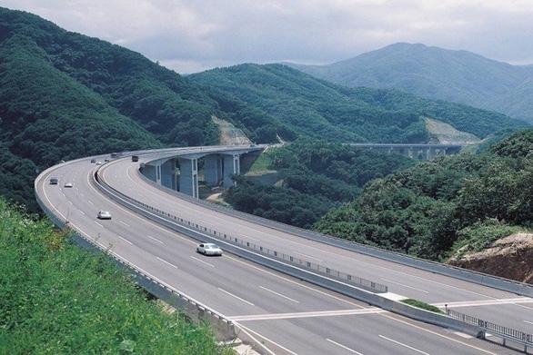 Đất nền Quảng Ninh tăng giá mạnh - Ảnh 2.
