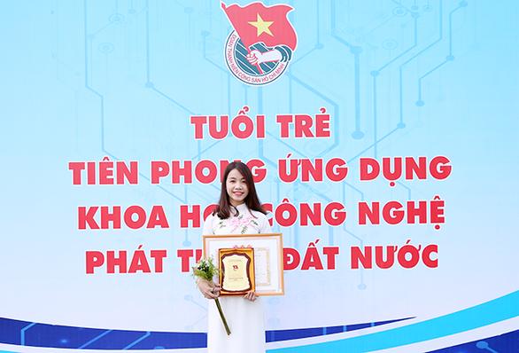 Sinh viên Duy Tân nhận học bổng Nữ sinh viên kỹ thuật AmCham 2019 - Ảnh 1.