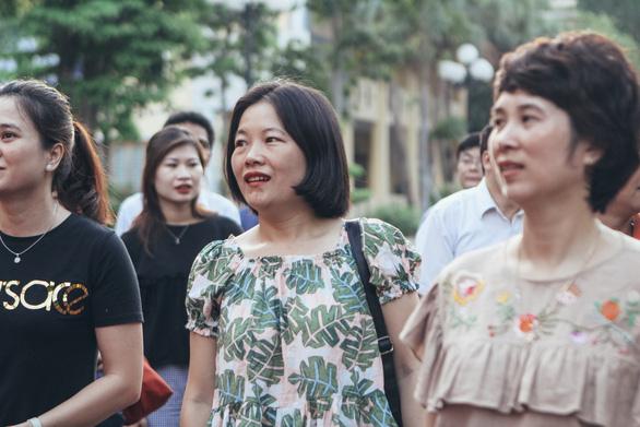 Thầy cô ở Hà Nội lên đường làm nhiệm vụ thi THPT quốc gia - Ảnh 4.