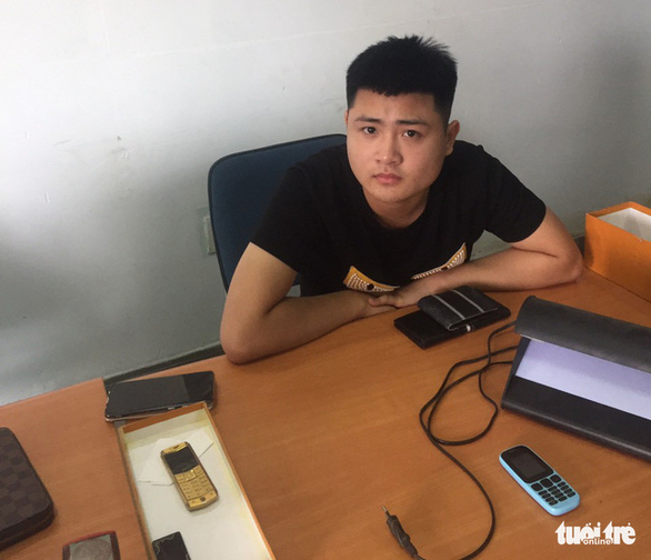 Tạm giữ 2 nghi phạm hoạt động tín dụng đen tại Tiền Giang - Ảnh 1.