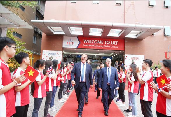 Những bước tiến trên lộ trình quốc tế hóa giáo dục của UEF - Ảnh 4.