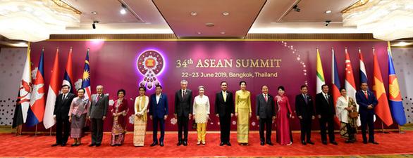 Lãnh đạo ASEAN kêu gọi kiềm chế về Biển Đông và căng thẳng Mỹ - Trung - Ảnh 1.
