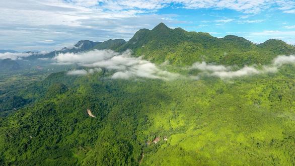 Cuộc giải cứu thần kỳ đưa hang Tham Luang vào bản đồ du lịch Thái Lan - Ảnh 1.