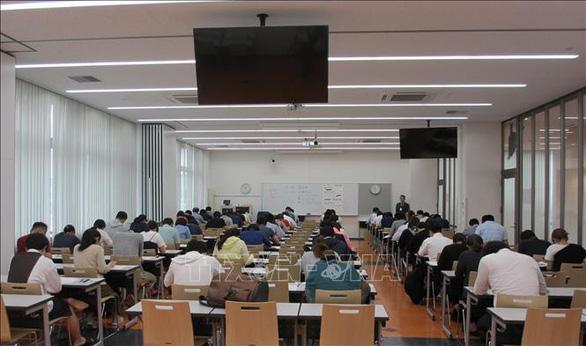 700 thí sinh Nhật thi năng lực tiếng Việt - Ảnh 1.