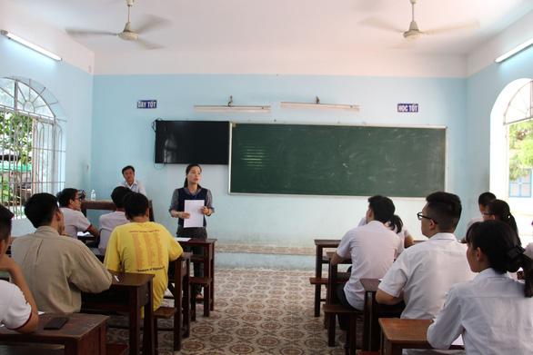 Gần 900.000 học sinh làm thủ tục thi THPT quốc gia, thí sinh lo lắng môn văn và lịch sử - Ảnh 7.
