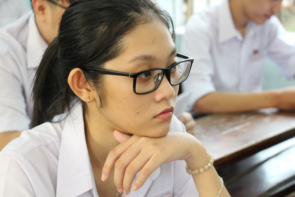 Gần 900.000 học sinh làm thủ tục thi THPT quốc gia, thí sinh lo lắng môn văn và lịch sử - Ảnh 6.
